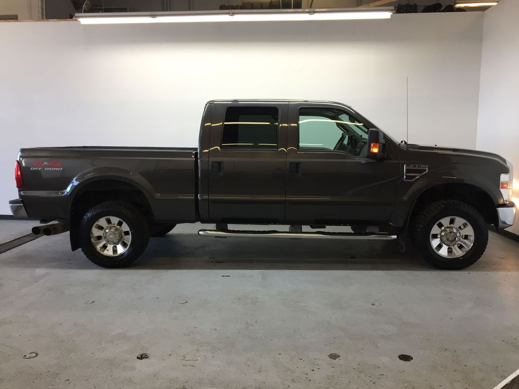Pre-Owned 2008 Ford Super Duty F-350 SRW Lariat