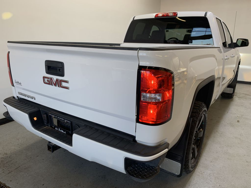 Pre-Owned 2017 GMC Sierra 1500 Elevation
