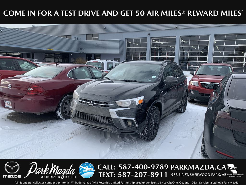 Pre-Owned 2019 Mitsubishi RVR SE Black Edition