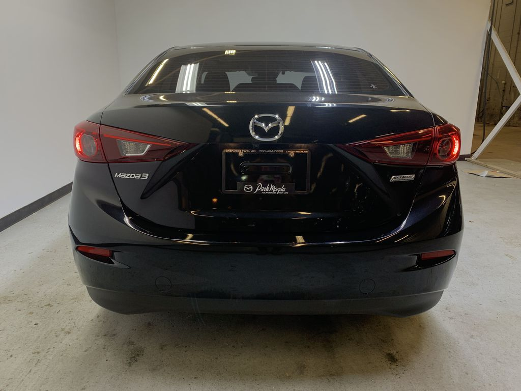 Pre-Owned 2018 Mazda3 GS