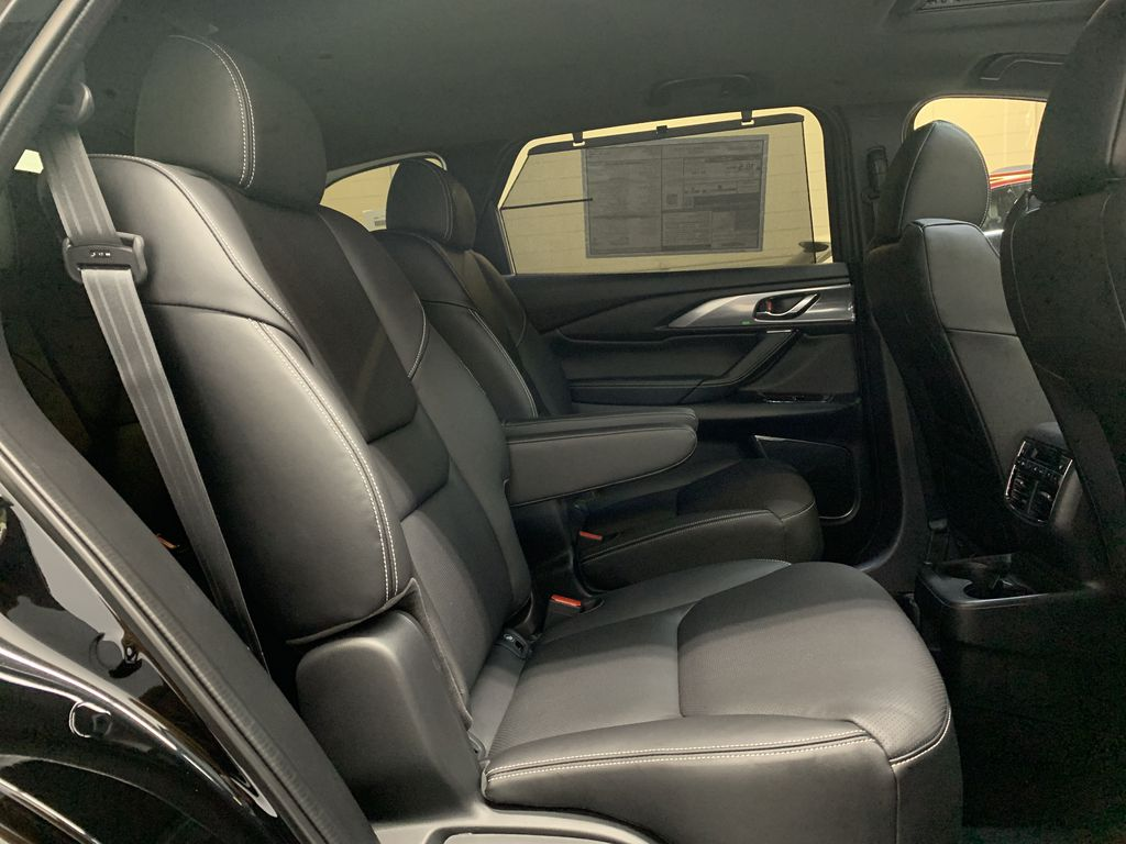 New 2020 Mazda CX-9 GT Captain's Chairs Pkg.